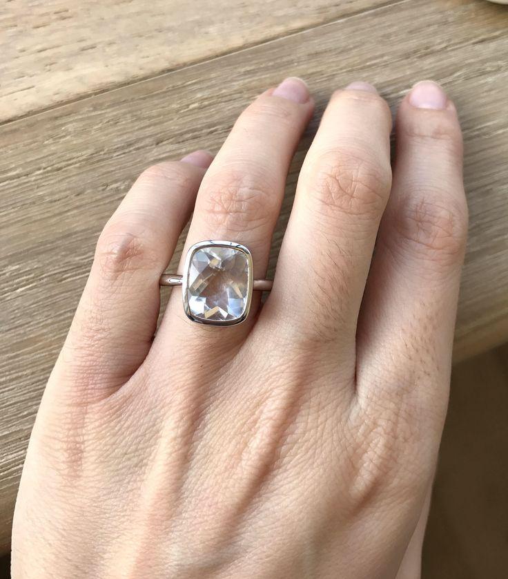 Rectángulo de cuarzo blanco anillo de compromiso promesa anillo esmeralda anillo claro piedras preciosas alternativos al anillo de anillo de compromiso-abril Birthstone anillo cortado de Belesas en Etsy https://www.etsy.com/es/listing/517037828/rectangulo-de-cuarzo-blanco-anillo-de
