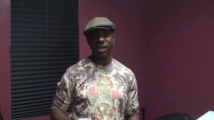 Mr  Easy takes a break to shout out J  Jewels while in studio working on...
