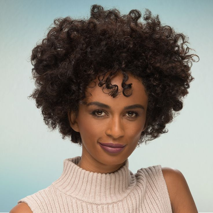 Showcase natural texture and defined curl with this dramatic women's haircut. This style is the perfect SmartStyle look.