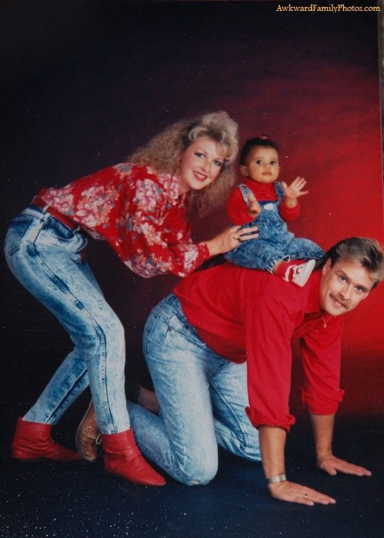 Best 25 Awkward Family Pictures Ideas On Pinterest