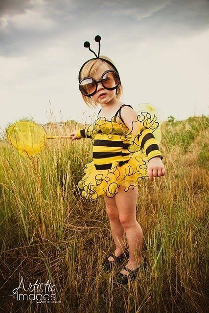 What a cute little bee!!! by Janny Dangerous