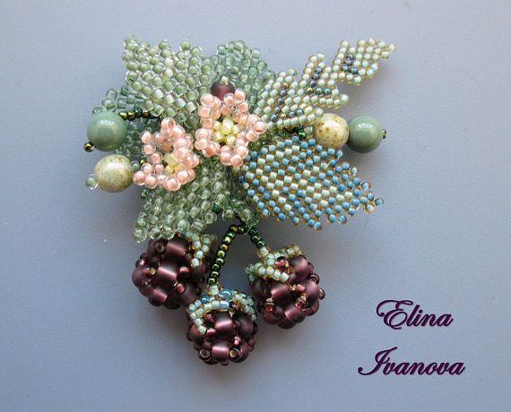 Hey, I found this really awesome Etsy listing at https://www.etsy.com/ru/listing/523054935/beaded-berry-brooch-spring-blossom