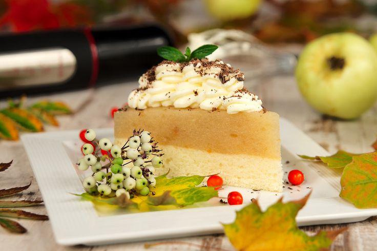 Torcik jabłkowo-śmietanowy