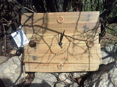 Orologio da parete riciclo pallet wood,con bottoni vintage,made in Italy!