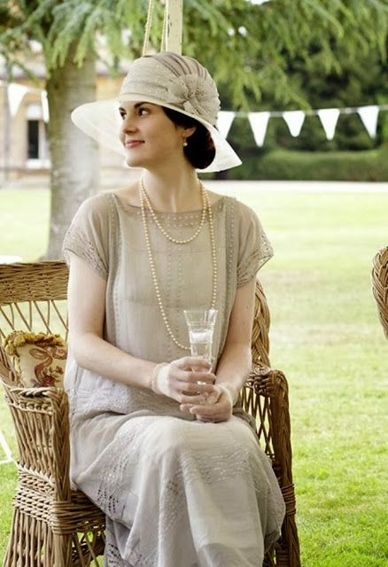 Downton Abbey - The loose clothing from this time period is so flattering on women.