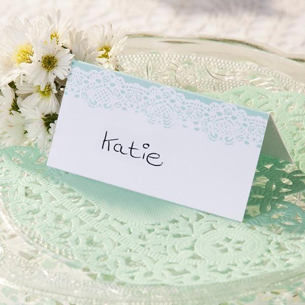 Mintfarbene Doilies als Dekoration oder Tischdekoration für die Hochzeit.