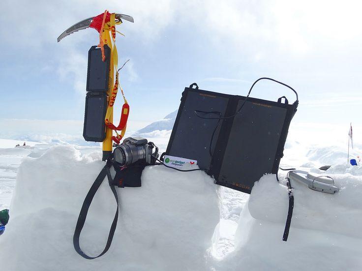 Ładowarka solarna Solar Booster podczas wyprawy na Mount McKinley / Solar Booster  solar charger during Mount McKinley trip #solarcharger #ładowarkasolarna