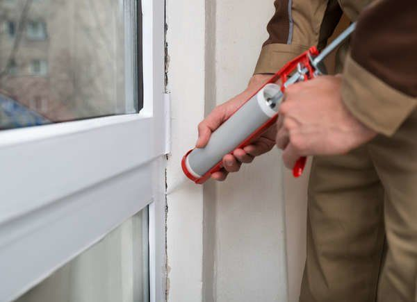 10 Home Heating Mistakes That Spike Your Bills Window Insulation Caulking Caulk
