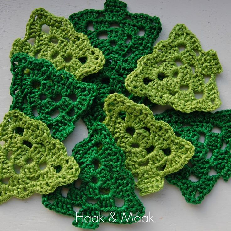 Haak & Maak: Grandma's Christmas Trees. (Dutch) free pattern with scheme
