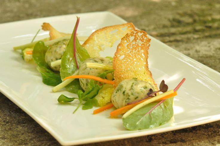 La gallina in Brianza con la sua gelatina, salsa verde.