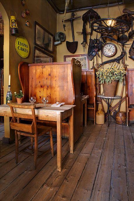 Maggie Jones's restaurant