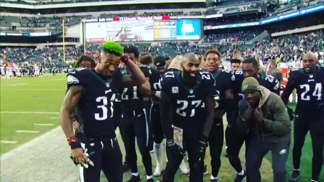 @Regranned from @t.photos.video.press.media -  8 - 1 Baby #TeamGreen #BirdGang #PhiladelphiaEagles @PhiladelphiaEagles Did The Dam Thing To The Broncos  PlayOffs Here We Comeee !  #TPhotosVideoPressMedia #EaglesNation #EaglesFans #Philly #WhyILovePhilly #Fox29 #VisitPhilly #6AbcAction #PhillyGram #InstaPhilly #Philadelphia #215 #610 #TV #NFL #Football #Magazine #Radio #WhyILovePhilly #PhillyMag #SportsCenter #Eagles #Insta #ESPN #OurPhilly #PhillyBlogger