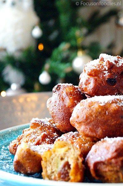 Glutenvrije oliebollen zonder suiker en zuivel maak je zelf, zonder frituur. Ze zijn heerlijk smeuig, krokant en lekker van smaak. Bekijk het recept hier >>