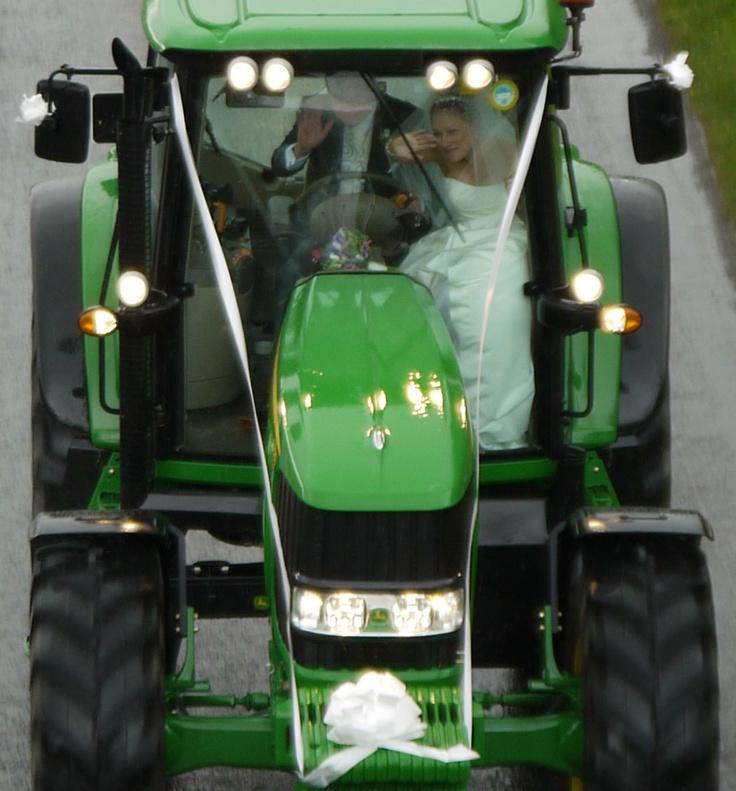 Farmer #Wedding Transport but in a case ih