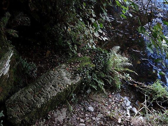 Der Arthur's Stone zieht Reisende nach Camelford