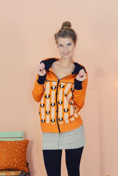 "KAPUZENJACKE ""HOLLY"" OCKER-ORANGE von Bonnie & Buttermilk auf DaWanda.com #sweatjacke #sweatshirt #jacke #kapuzenjacke #fashionhandmadeinberlin #fashion #local #locallabel #fair #outfit #outfitoftheday #bonnieandbuttermilk #trainingsjacke"