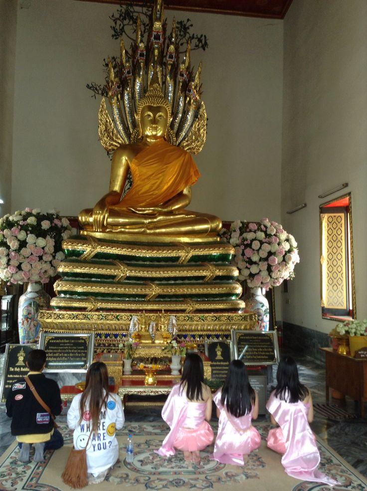 Buddha statue watpho watpad
