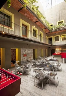 A friend or friend of a friend are not our only suggestions for a place to stay, they can also give some great accommodation recommendations. 5 most affordable and trendiest HOSTELS in the world