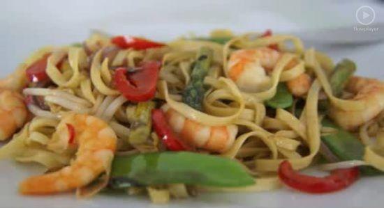 Recept: Thaise noedels met garnalen - Ze.nl - Hét online magazine voor vrouwen!