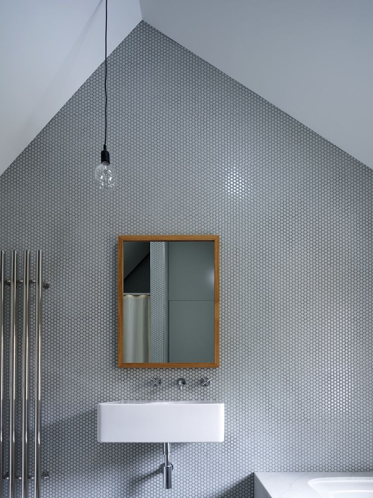 Tobias Partners - Wentworth Road House - Bathroom with penny round mosaic tiles