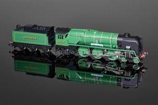 """Wrenn """"""""Lyme Regis"""" 1992 ORANGE TRANSFERS Southern Bulleid Pacific W2237 - Rebuilt Bulleid Pacific 4-6-2 - Wrenn Locomotives - Connoisseur Wrenn"""