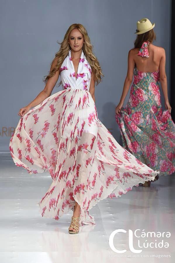 Carolina Méndez luce un vestido de chifon de seda y licra exclusivo