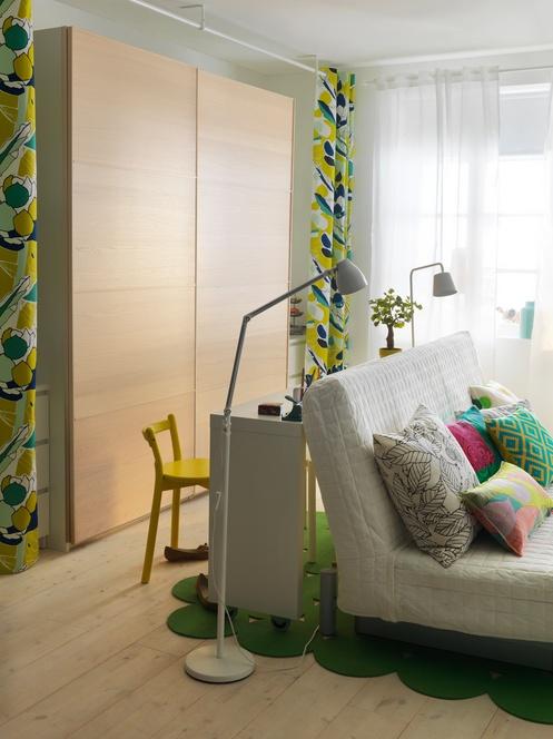 IKEA Oturma Odası: BEDDINGE LÖVAS yataklı kanepe ile oturma odanız 5 dakikada yatak odanız da olabilir!