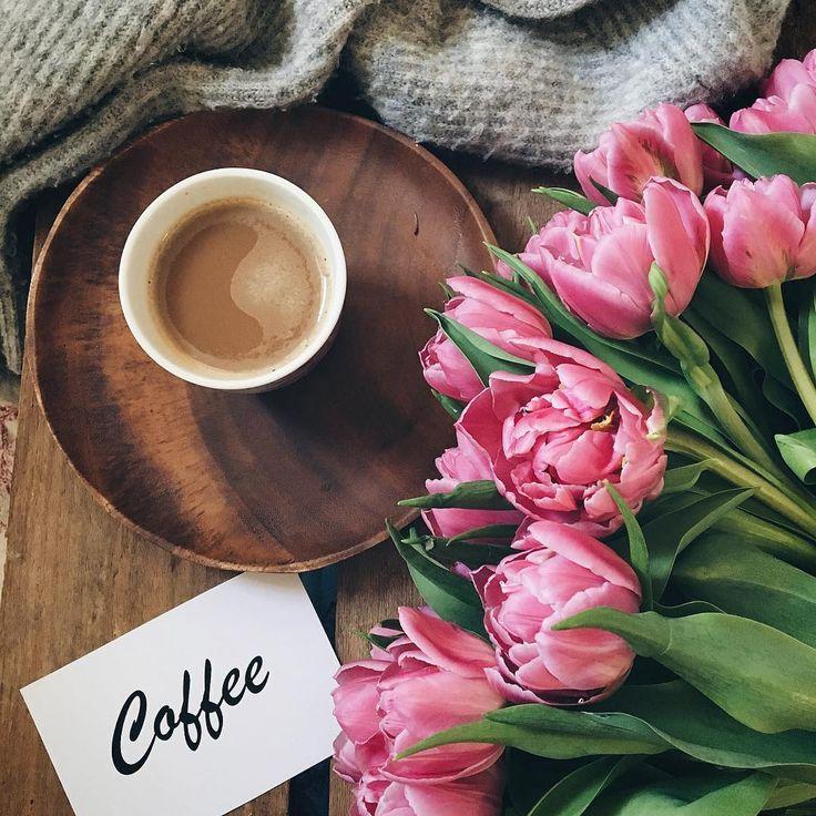 "4,556 tykkäystä, 176 kommenttia - Birgitte (@birgittetheresa) Instagramissa: ""A relaxing moment Saturday evening, coffee time ☕️. Happy weekend dear friends . . . . . . .…"""