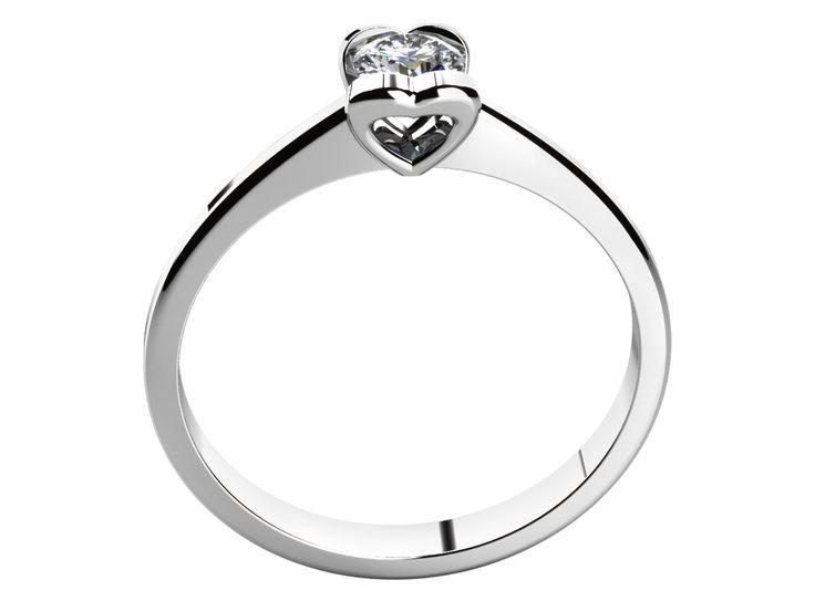 ❤️Nejdůležitější prsten 💍 který kdy darujete, je ten zásnubní. S láskou darovaný šperk ze žlutého či bílého zlata bude vaší milované dokonale slušet 💁