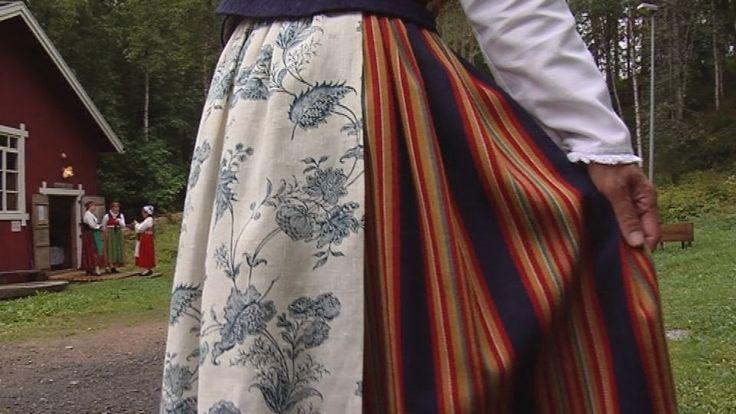 Jyväskylän eli Keski-Suomen kansallispuku. Jyväskylä's, otherwise known as Keski-Suomi's (Central Finland's) folk costume. Kuva: Yle / Anssi Lepikko