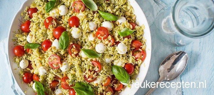 Orzo is een kleine pastasoort die qua vorm veel op rijst lijkt, ideaal voor in een lichte pastasalade