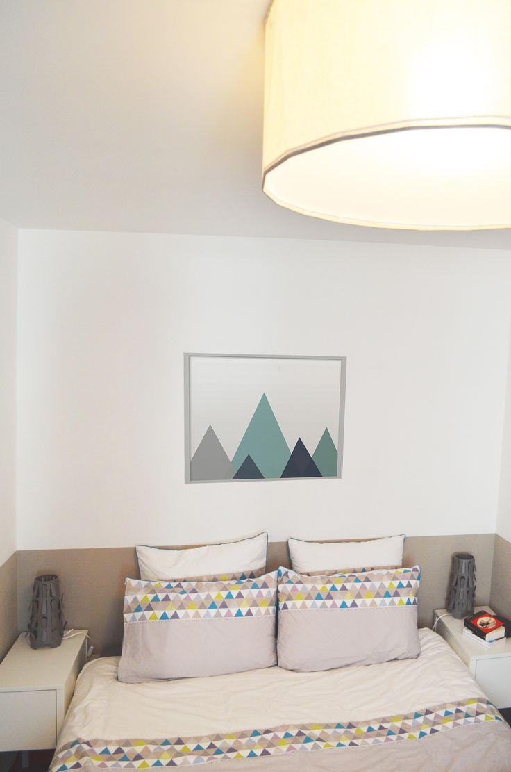 Sandrine carr d coratrice chambre affiche g om trique losanges suspension tissu bleu for Chambre scandinave pastel
