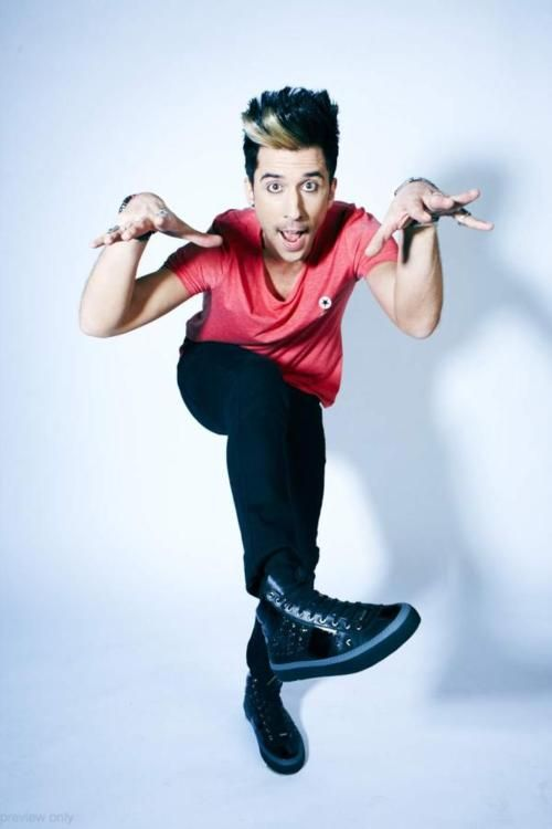 Russell Kane one of my favorites English comedians! Super funny.
