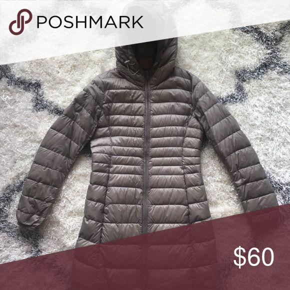Uniqlo Ultra Light Down Coat in Taupe EUC Uniqlo Jackets & Coats