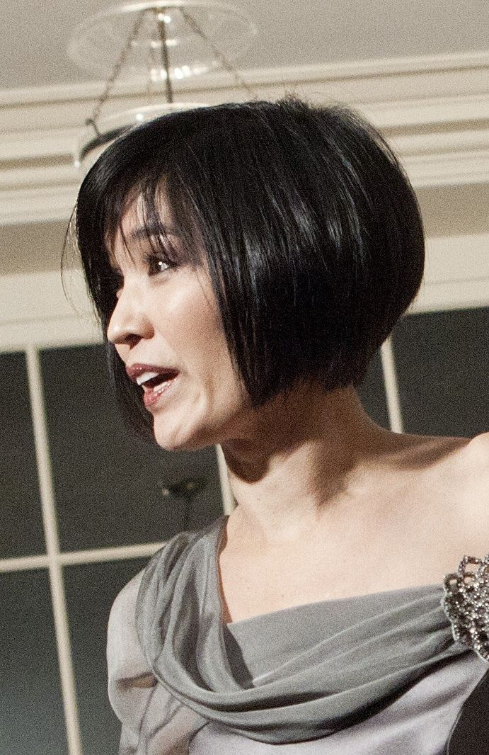 short hair styles for women over 50 with thick hair