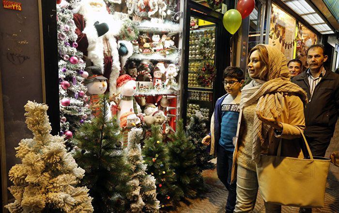Sputnik Türkiye ///  Noel Baba İran'da: Müslüman bir ülkeden Noel kutlamaları
