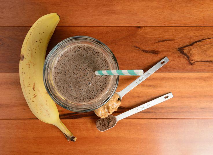 Schokoladen Erdnussbutter Bananen Protein Smoothie :http://smoothiewelt.com/schokoladen-erdnussbutter-bananen-protein-smoothie-1410/
