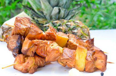 Kulinarne  pyszności  Molki: Szaszłyki z łososia i ananasa