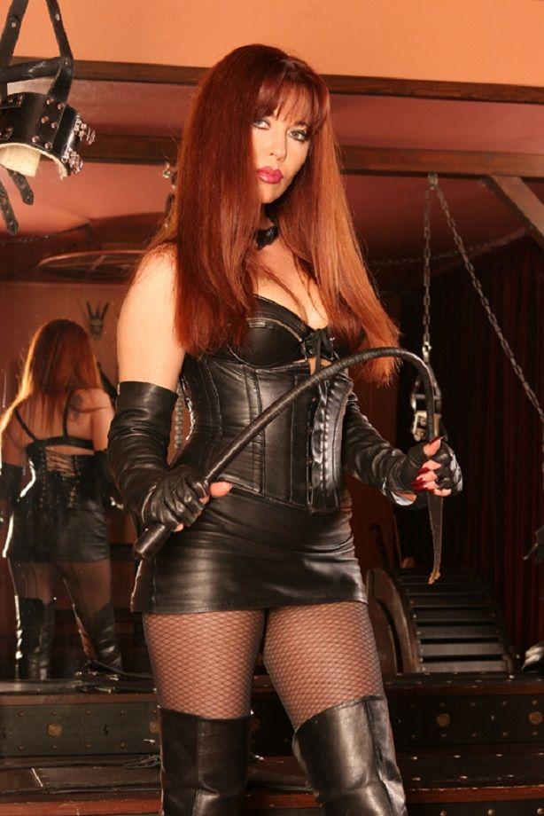 Older Mistress Slave Lick Collar 31