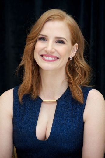Jessica Chastain- I've seen a few movies now that she's been in, and she kills it in every one. Sometimes it takes me a minute to recognize her if I don't already know she's in it to begin with. A beauty, a chameleon, and an acting powerhouse.