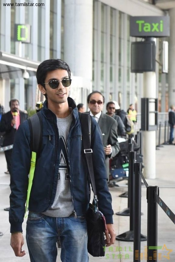 Anirudh and his band spotted at Toronto airport Canada