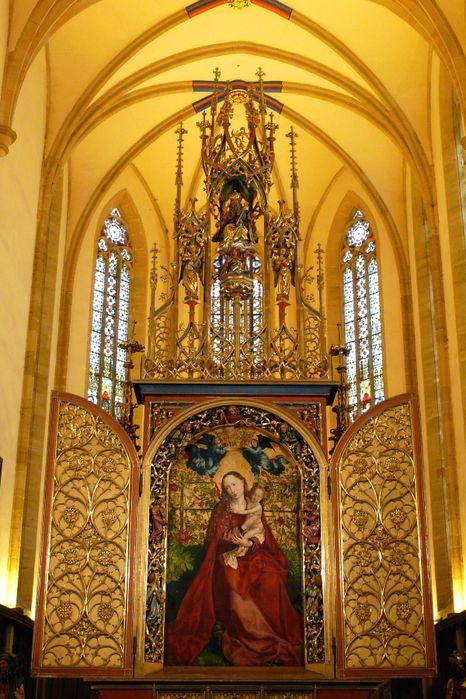 «Мадонна в беседке роз», находится в кольмарской церкви св. Мартина.