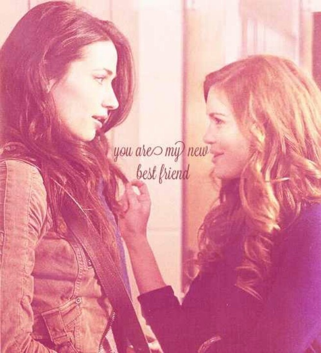 Crystal Reed (Allison) & Holland Roden (Lydia) - Teen Wolf