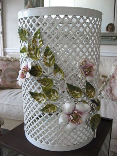 This is the authentic GBS Rose Macchia Wastebasket. Flowers are Rose Macchia GBS, made in Florence since 1925