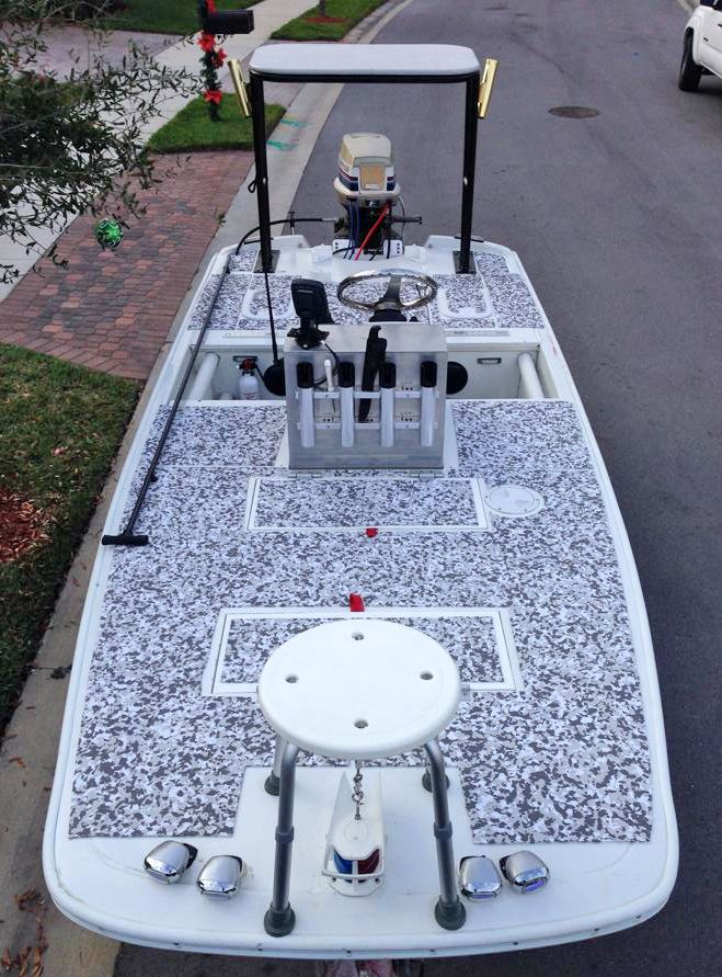 Here's another great full boat DIY project. Our customer Richard created a kit for his custom 1972 Boston Whaler by making a template with clear plastic drop cloth and cutting 2 sheets of our snow camo sheet material to fit the deck of his flats boat. Great job Richard!