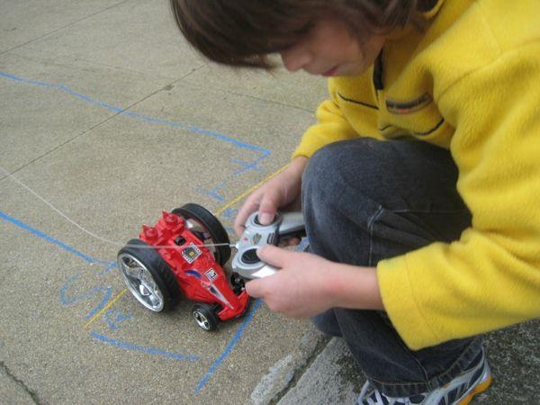 spielzeugideen auto fergesteuert ferngesteuertes auto kindern