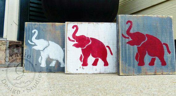 Alabama crimson tide, reclaimed wood wall art, University of Alabama, wood signs by GracieDesignStudios