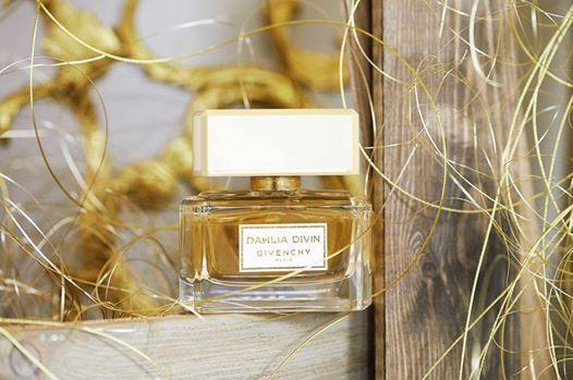 Vinci profumo Givenchy Dahlia Divin - http://www.omaggiomania.com/concorsi-a-premi/vinci-profumo-givenchy-dahlia-divin/