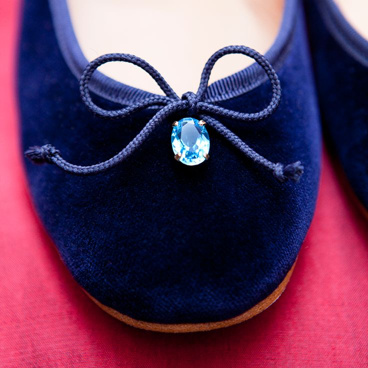 A ballerina flat adorned with a beautiful piece of fine jewelry, handmade from Gold and Blue Topazes. #JosefinasPortugal