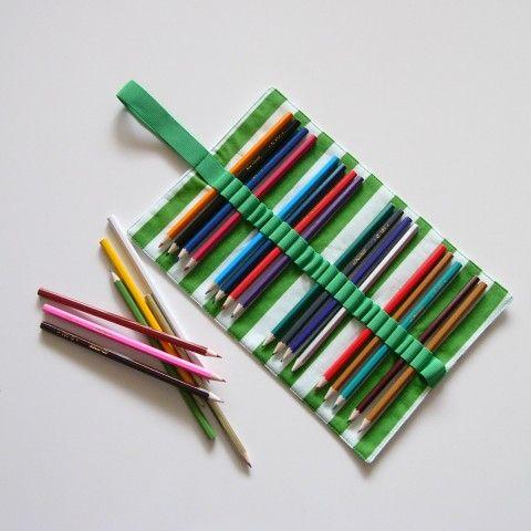 Tužkovník  na 26 pastelek (č.042) penál tužkovník pastelky